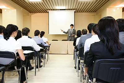 staff-info-image01